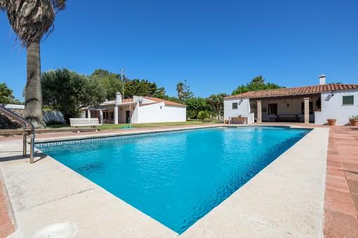 Schöne Finca mit 2 Wohneinheiten und großem Garten bei Santandria