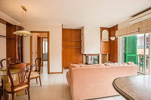 Apartment mit Balkon in Es Castell in der Nähe der typischen Cala's Font und ihrer zahlreichen Restaurants