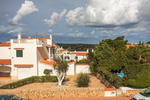 Freistehendes Haus mit Meerblick und Gemeinschaftspool in einer ruhigen Gegend in Es Castell