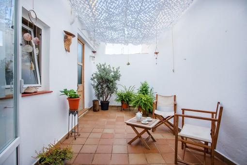 Charmante, frisch renovierte Erdgeschoss-Wohnung mit Patio im historischen Zentrum von Mahon
