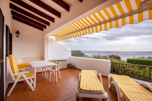 Tolles Apartment in gepflegter Anlage in Son Bou mit großer Terrasse und der beste Meerblick