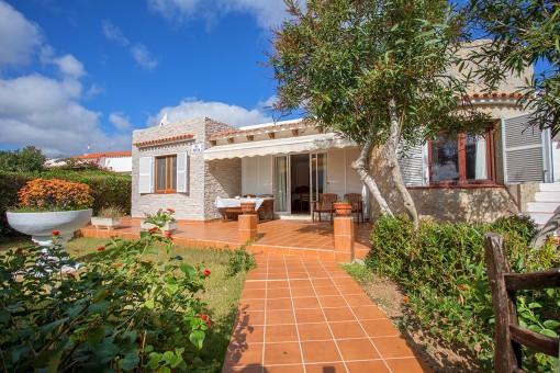 Ruhig gelegene Villa in S'Algar mit Garten und Dachterrasse