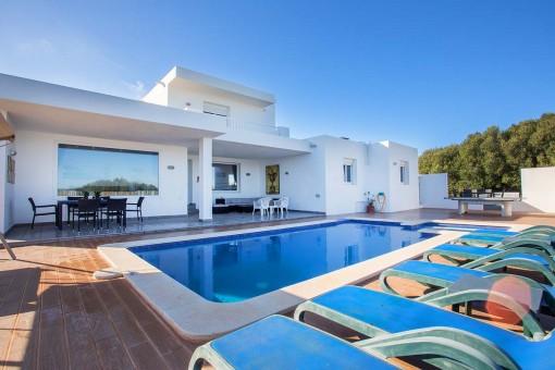 Tolles, neu gebautes Haus in Binibeca mit Pool und Touristenvermietlizenz