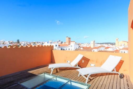 Stilvolle Atico-Duplex Wohnung in Mahón Zentrum mit 2 Balkonen