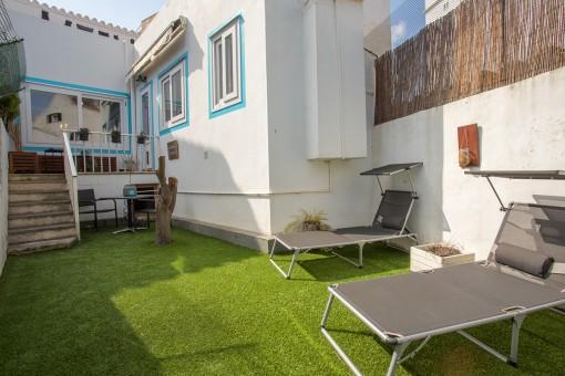 Toll renoviertes Haus mit Garage, Balkon und Garten in Mahón