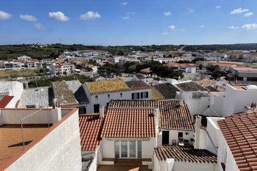 Haus im historischen Zentrum von Alaior mit Garage, Balkonen und Terrasse mit schöner Aussicht