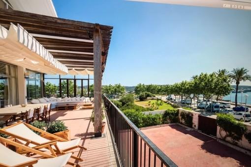 Spektakuläre, große Villa mit Blick auf den zentralen Hafen von Mahón